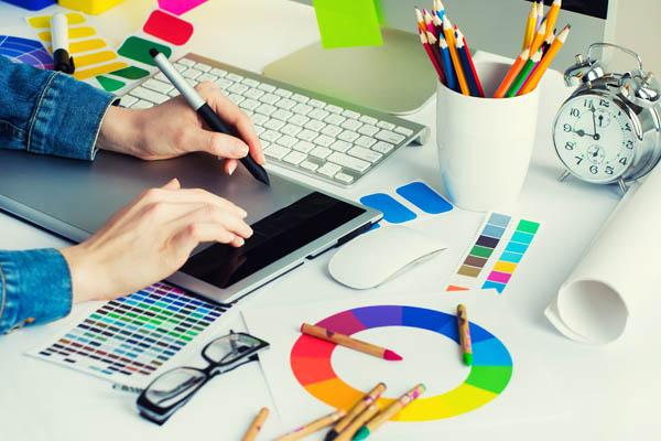 3 Mẹo và 4 công cụ giúp nhà tiếp thị tự tạo các mẫu thiết kế tuyệt vời.